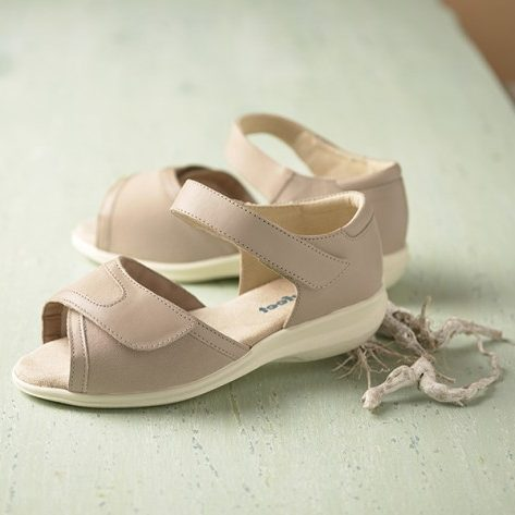 Hop Roomy Sandal and wider fitting footwear
